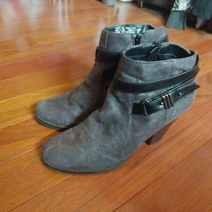 Black/gray Madden Girl ankle boots size 10